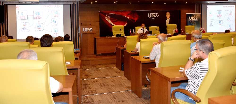 UTSO'DA ''YAPI MÜTEAHHİTLERİNİN SINIFLANDIRILMASI VE KAYITLARININ TUTULMASI HAKKINDA YÖNETMELİK'' TOPLANTISI GERÇEKLEŞTİRİLDİ